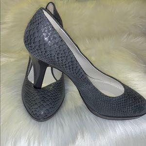 New Ann Klein new grey shoes